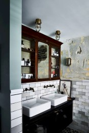 Industrial vintage bathroom ideas (33)