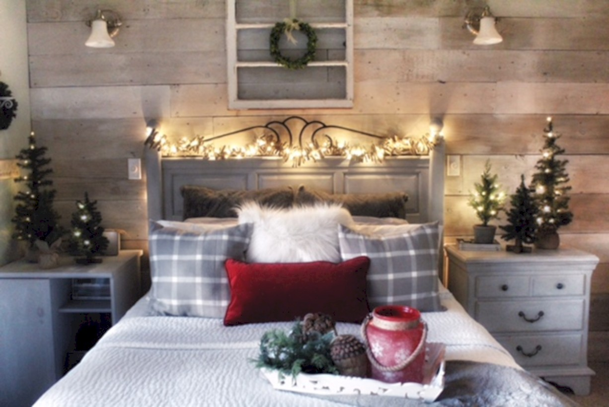 Inspiring Christmas Bedroom Décoration Ideas 11