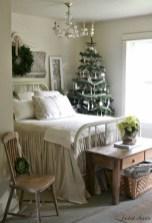 Inspiring christmas bedroom décoration ideas 13