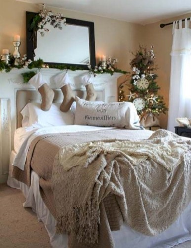 Inspiring christmas bedroom décoration ideas 18