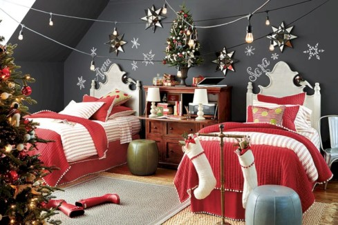 Inspiring christmas bedroom décoration ideas 31