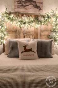 Inspiring christmas bedroom décoration ideas 45