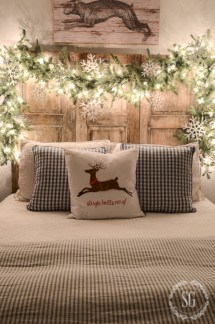 Inspiring christmas bedroom décoration ideas 45