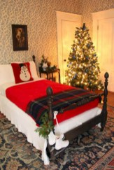 Inspiring christmas bedroom décoration ideas 47