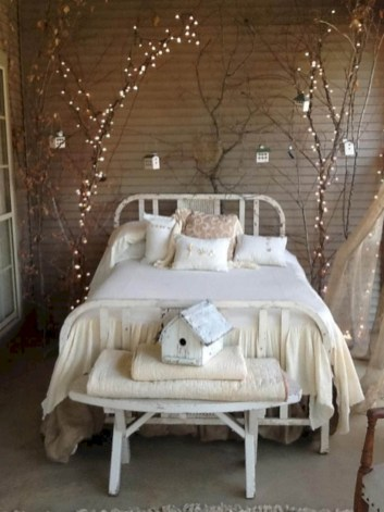 Inspiring christmas bedroom décoration ideas 54