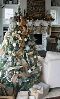 Inspiring christmas decoration ideas using plaid 07