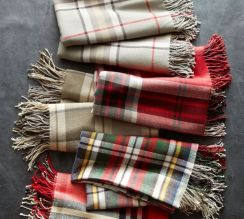 Inspiring christmas decoration ideas using plaid 43