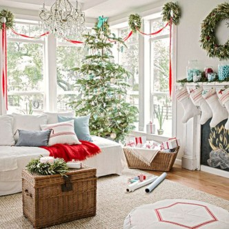 Inspiring christmas decorations ideas with traditional touch 21