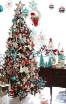Inspiring christmas decorations ideas with traditional touch 24