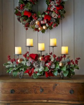 Inspiring christmas decorations ideas with traditional touch 27