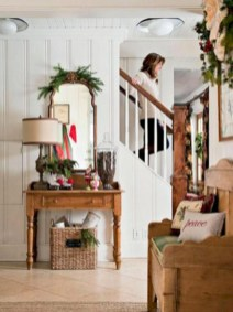 Inspiring christmas decorations ideas with traditional touch 31