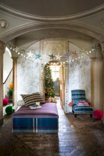 Inspiring christmas decorations ideas with traditional touch 44