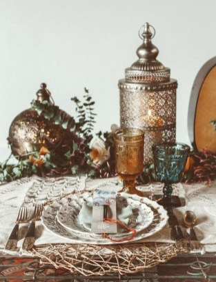 Inspiring christmas decorations ideas with traditional touch 51