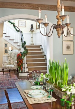Inspiring christmas decorations ideas with traditional touch 53