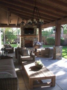 Lovely patio outdoor space ideas on a minimum budget (42)