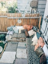 Lovely patio outdoor space ideas on a minimum budget (49)