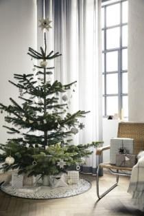Minimalist and modern christmas tree décoration ideas 20
