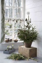 Minimalist and modern christmas tree décoration ideas 22