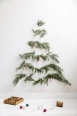 Minimalist and modern christmas tree décoration ideas 35