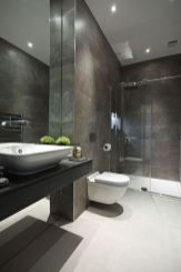 Modern bathroom with floating sink decor (24)
