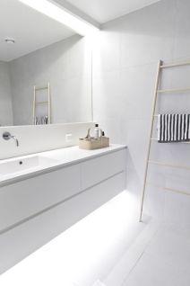 Modern bathroom with floating sink decor (32)