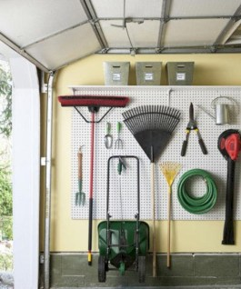 Neat and well-organized garage home decor ideas (39)