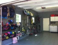 Neat and well-organized garage home decor ideas (4)