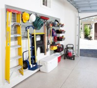 Neat and well-organized garage home decor ideas (40)
