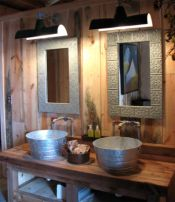 Rustic farmhouse bathroom ideas you will love (17)