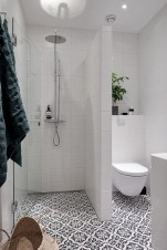 Simple bathroom ideas for small apartment 04
