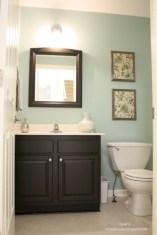 Simple bathroom ideas for small apartment 30