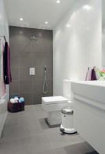 Simple bathroom ideas for small apartment 40