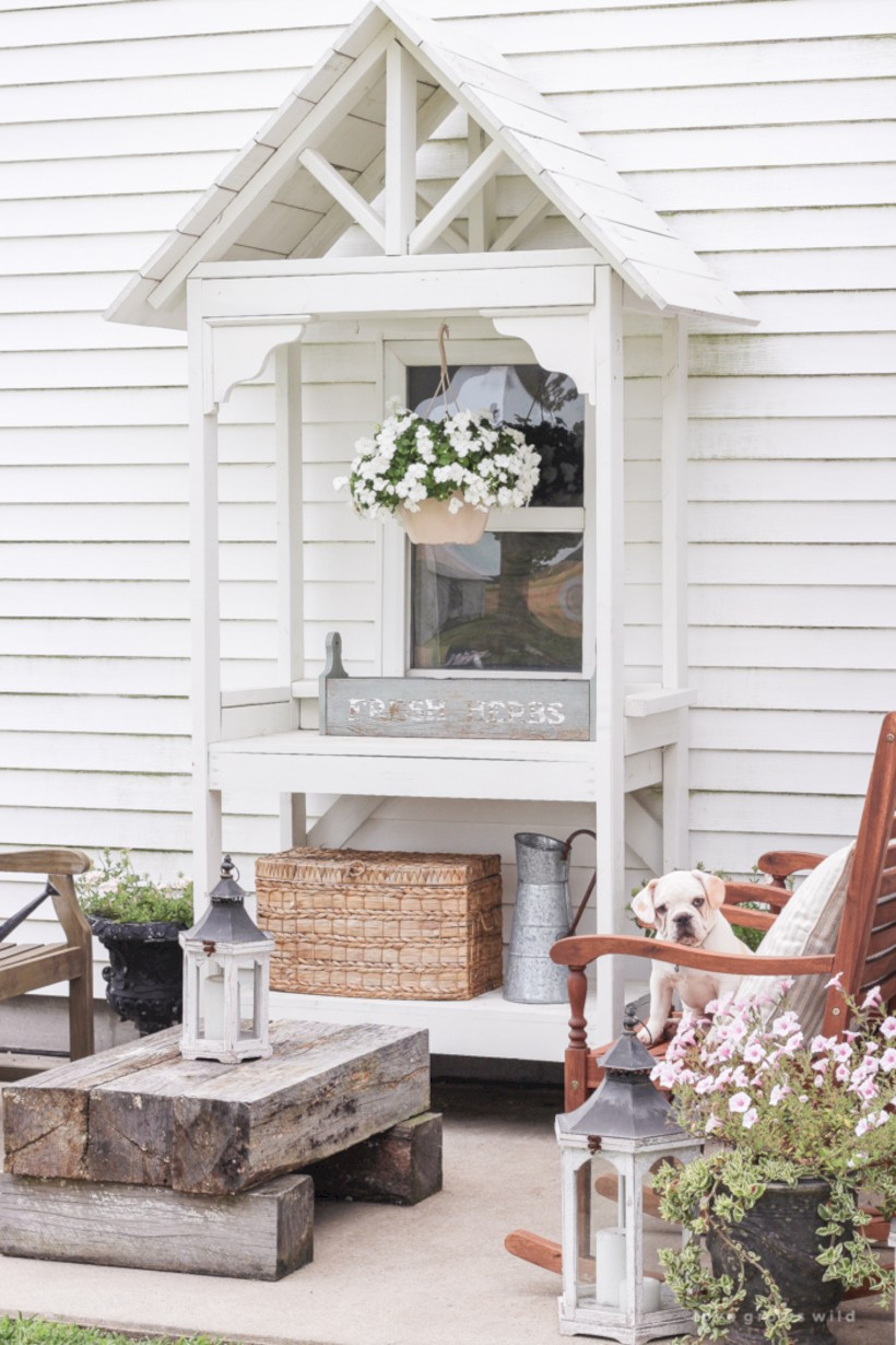 Simple patio decor ideas on a budget (48)