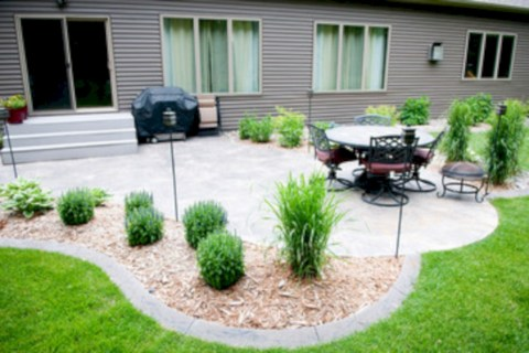 Simple patio decor ideas on a budget (9)