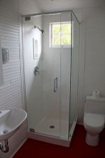 Small bathroom ideas on a budget (14)