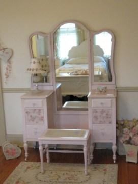 Stunning rustic makeup vanity ideas 22