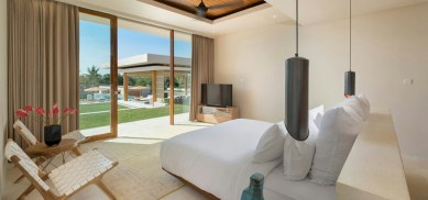 Stylish bedrooms with floor to ceiling windows 38
