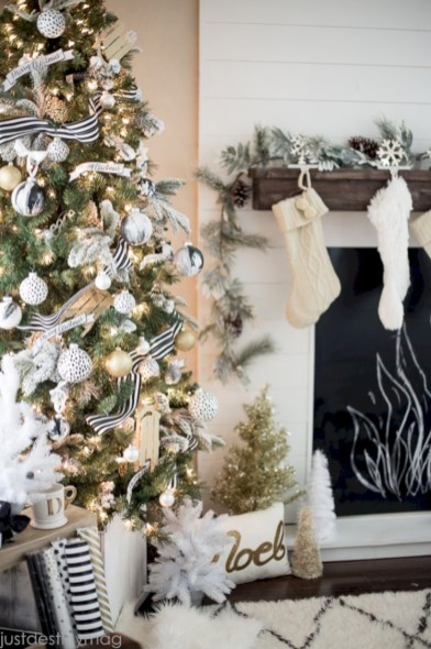 Stylish christmas décoration ideas with stylish black and white 19