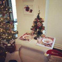 Stylish christmas decoration ideas using sleigh 16 16