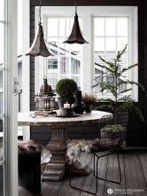 Stylish christmas decoration ideas using sleigh 20 20