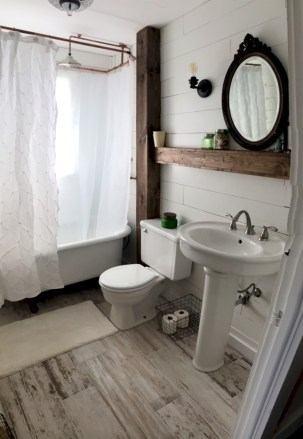Unique diy bathroom ideas using wood (38)