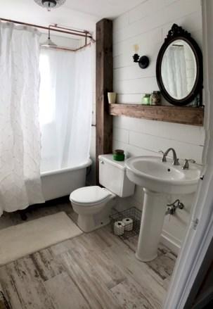 Unique diy bathroom ideas using wood (38)