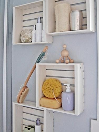 Unique diy bathroom ideas using wood (39)