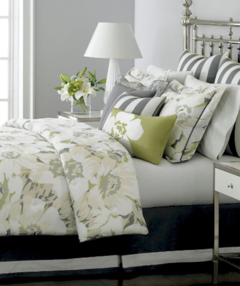 Visually pleasant yellow and grey bedroom designs ideas 25