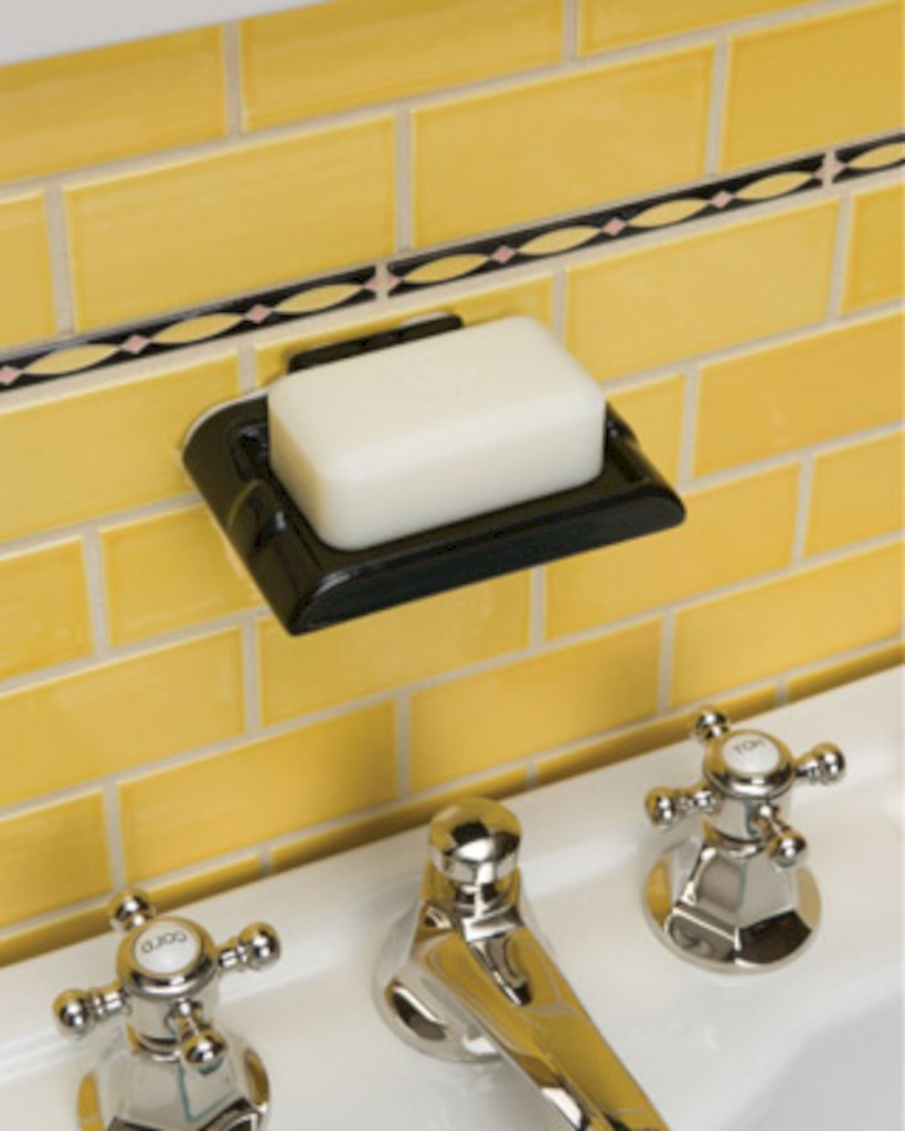 Yellow tile bathroom paint colors ideas (25)