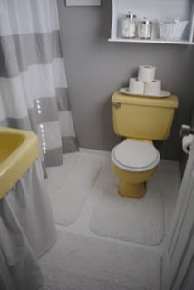 Yellow tile bathroom paint colors ideas (3)
