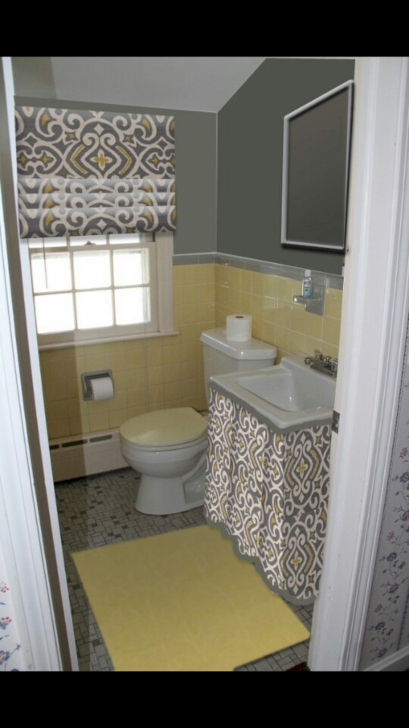 Yellow tile bathroom paint colors ideas (34)