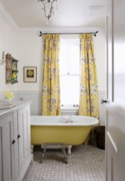 Yellow tile bathroom paint colors ideas (4)