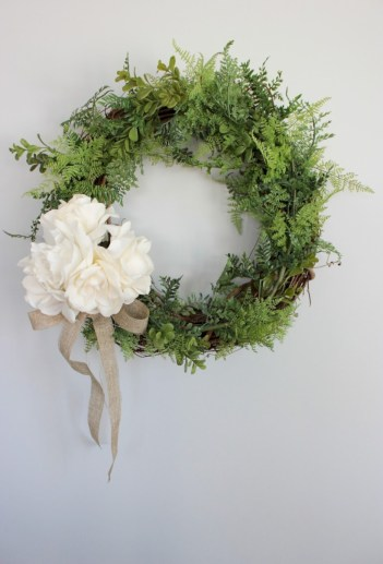 Affordable christmas wreaths decoration ideas you should try 24