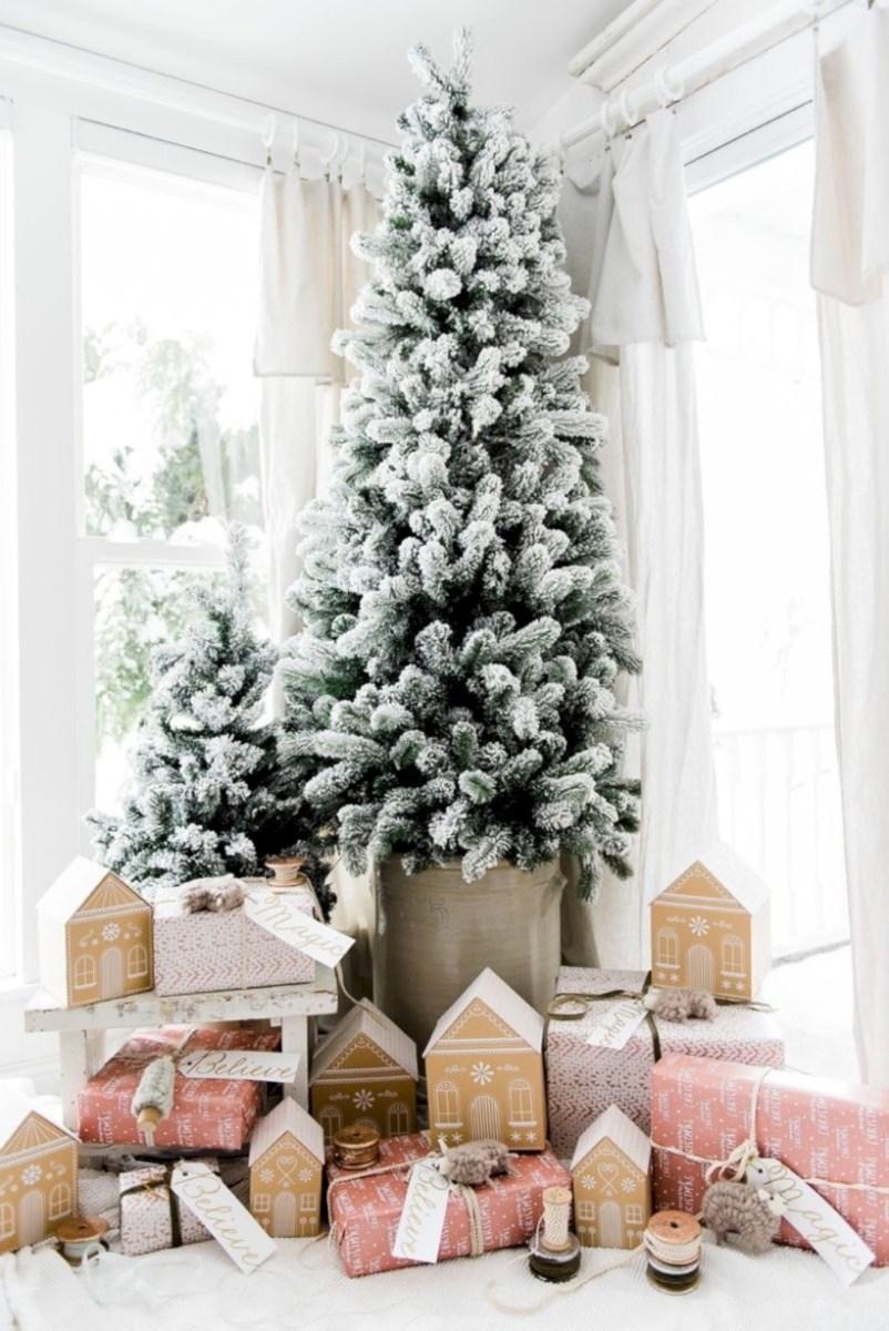 beautiful scandinavian christmas tree decoration ideas 04 - round